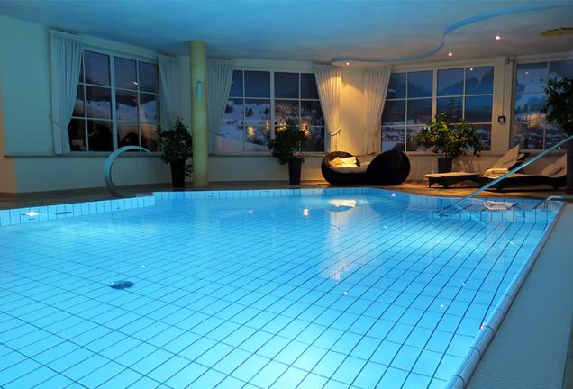 content_Una-piscina-interna-da-sogno